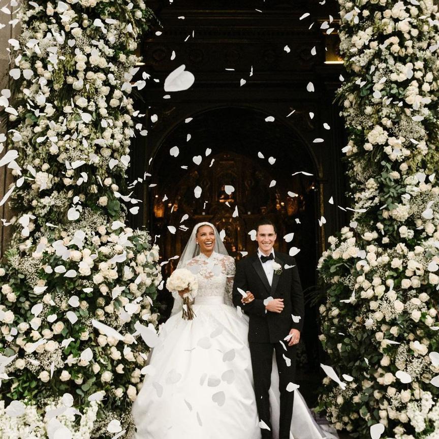 充滿音樂與花卉的異國婚禮!Jasmine Tookes 與 Juan David Borrero 的厄瓜多浪漫婚禮!